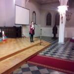 Młoda solistka na nabożeństwie ŚDM